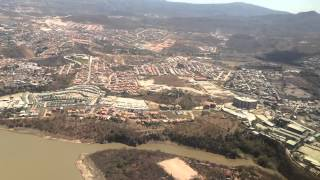 preview picture of video 'Landing in Tegucigalpa, Honduras - Toncontin International Airport'