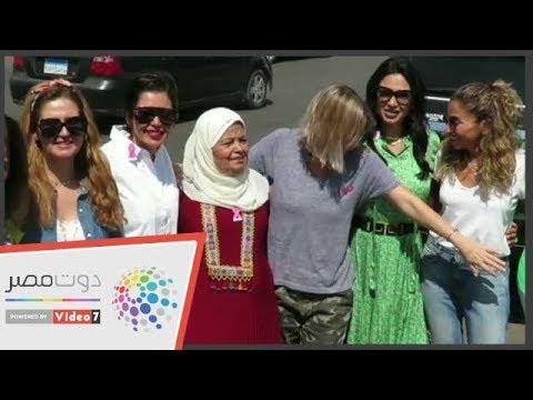 شيرين رضا تمسك بطن دينا الشربيني : أخبار الرنجة إيه؟