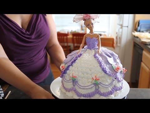 Video Barbie Cake / Cake Decorating