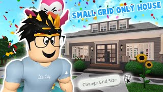 i built a bloxburg house with SMALL GRID only... I suffered a bit haha