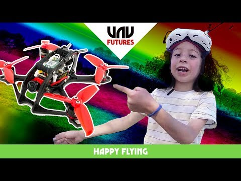 worlds-most-excited-6yr-old-tries-fpv-racing-drones-happy-flying-35