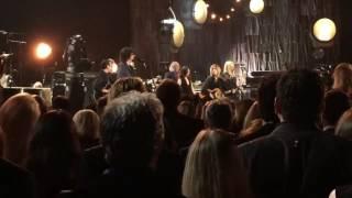 Jeff Lynne, Tom Petty & Dhani Harrison - I Wont Back Down (Widescreen)
