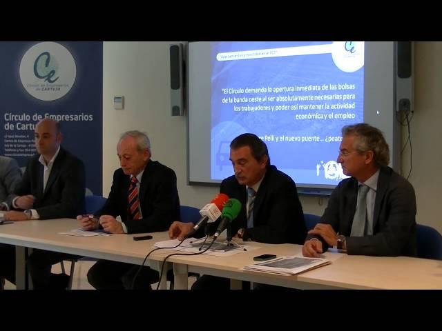Rueda de Prensa convocada por el CEC sobre movilidad y problemática de aparcamientos en Cartuja. 1 de octubre de 2013