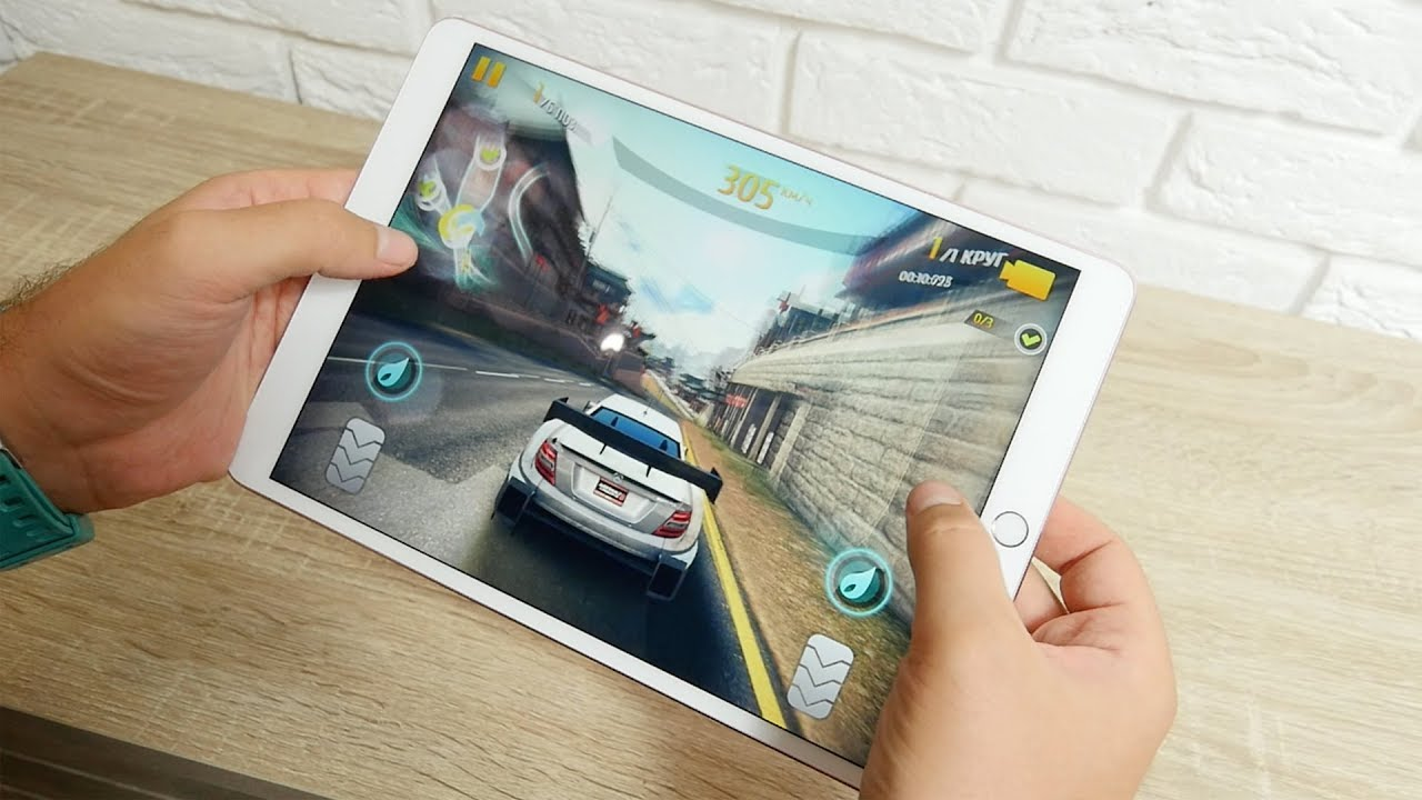 Apple iPad Pro 10.5 64Gb Wi-Fi Rose Gold (MQDY2RK/A) 2017 video preview