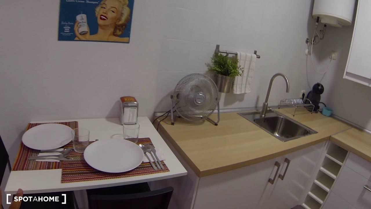 Modern studio apartment with AC for rent in Malasaña neighbourhood