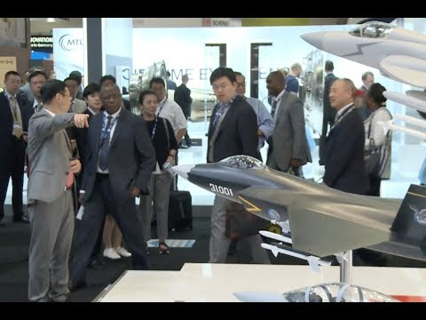Chinese Fighter Steals Spotlight as Paris Air Show Opens