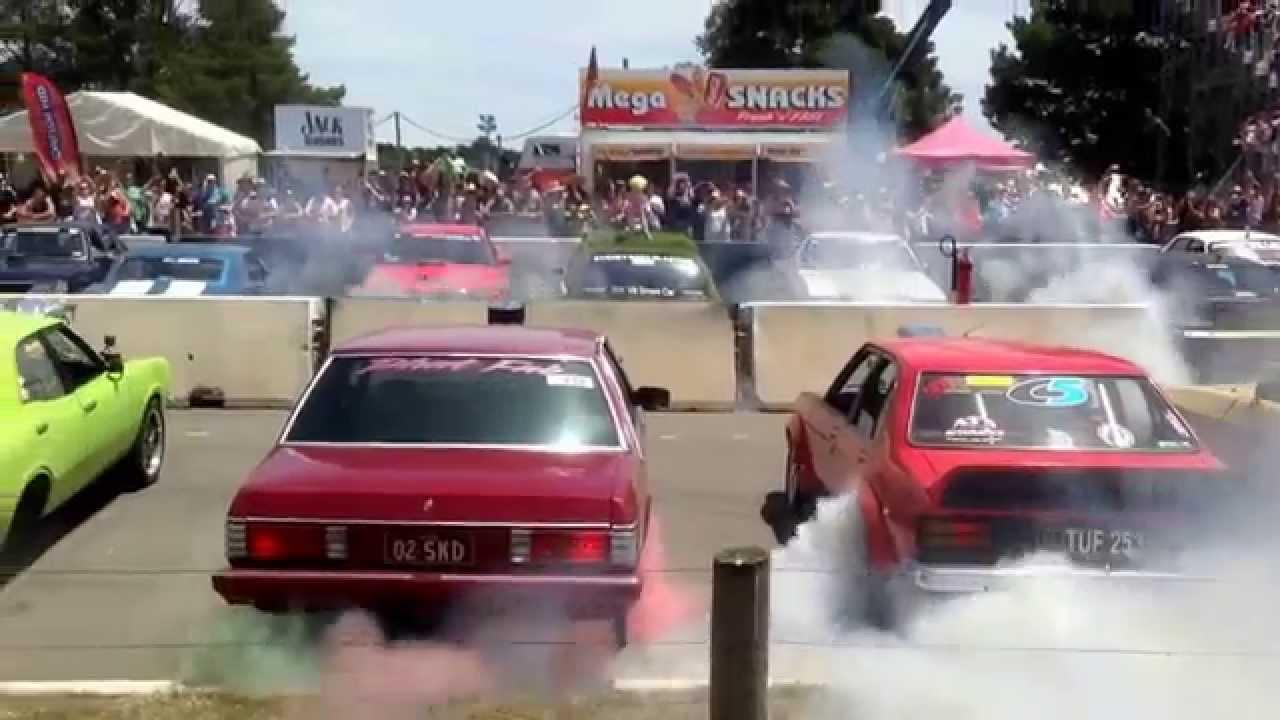 Australia's Summernats Sets 103 Car Burnout Record