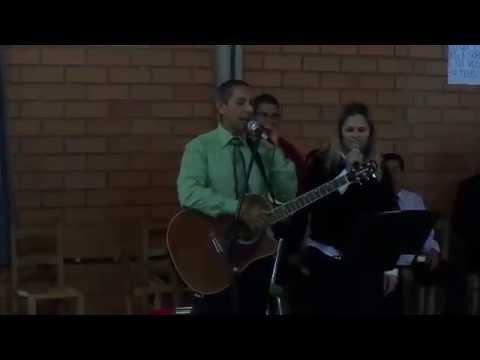 Cantando Marli e Paulo Barão com Banda Eterno Som em Arabutã SC.