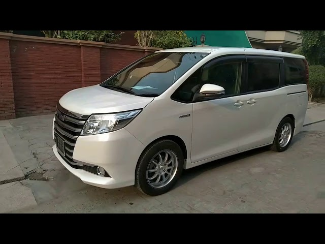 Toyota Noah S G EDITION 2015 for Sale in Lahore