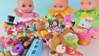 Куклы Пупсики играют в игрушки и сюрпризы /Много игрушек: Щенячий патруль, Маша и Медведь/Зырики ТВ