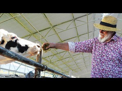 العرب اليوم - شاهد: مزارع روسي بدأ ببيع