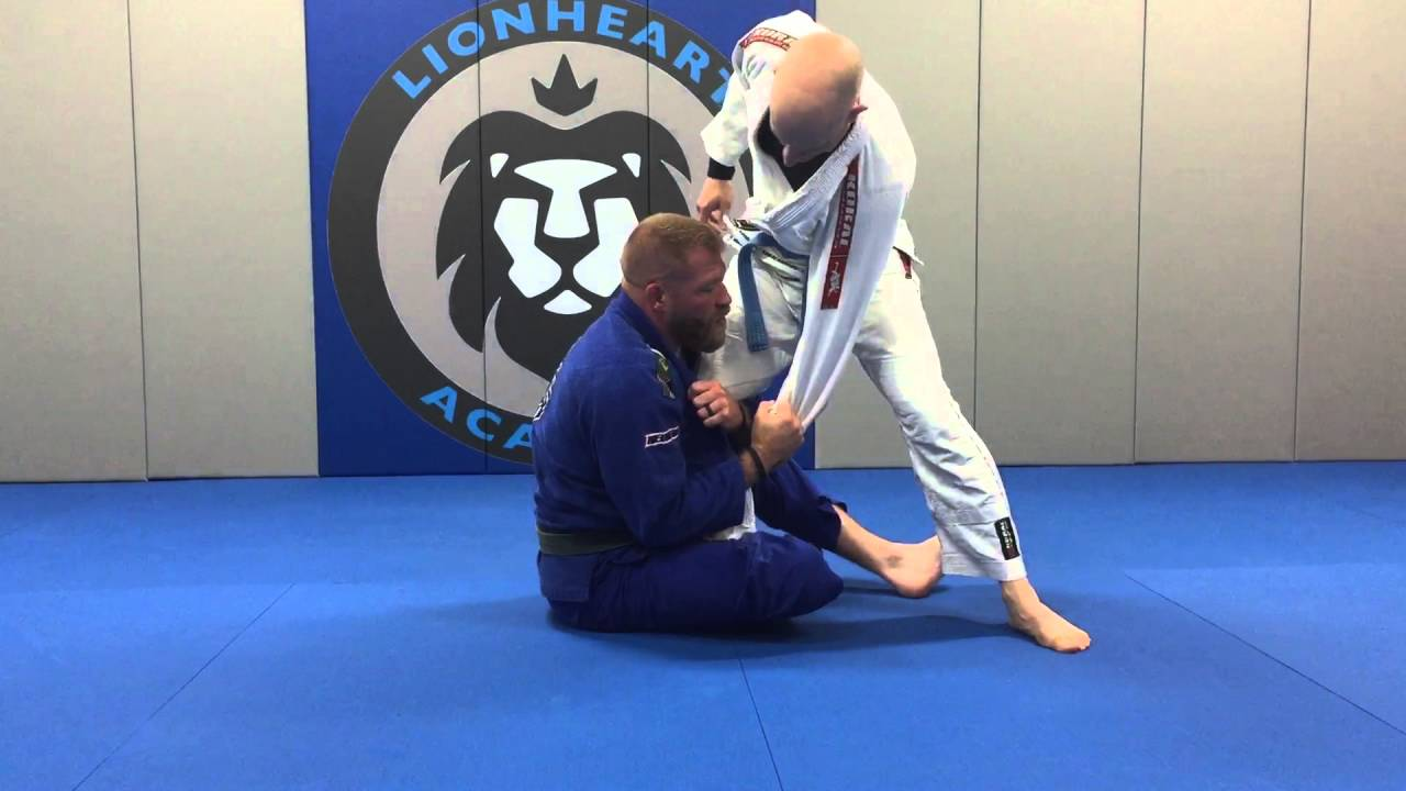 Seated Half Guard Position