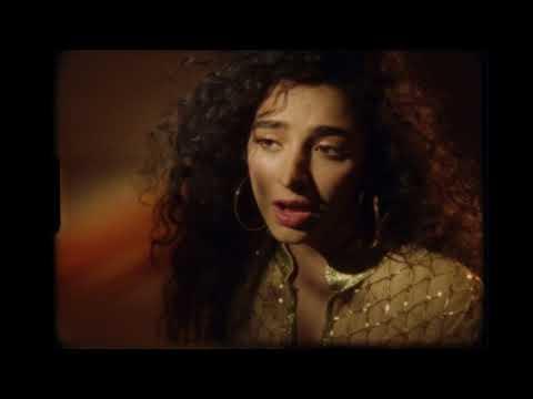 Kara Marni – Golden