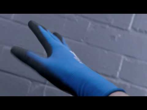 Precison handling and cool hands wearing gloves with COOLMAX fibre