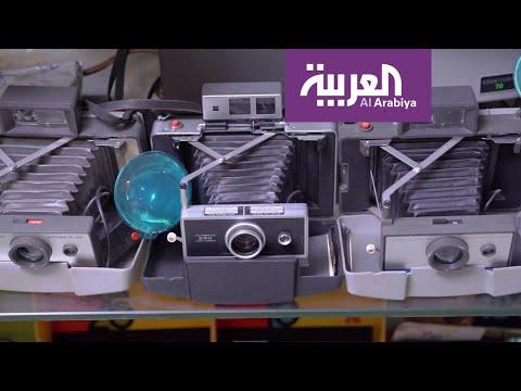 العرب اليوم - شاهد: مواطن سعودي يجمع في منزله 800 من أندر أنواع الكاميرات الفوتوغرافية