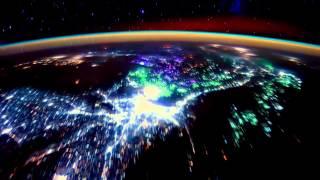Смотреть онлайн Реальный ролик нашей Земли из космоса
