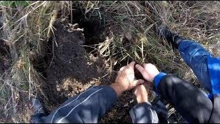 В свободное время копаем металлолом.