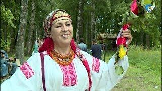 В Музее деревянного зодчества «Витославлицы» отпраздновали Троицу