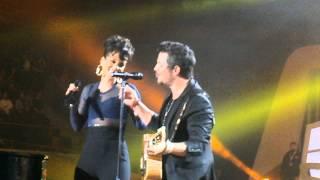 Premios 40 Principales 2012. Alejandro Sanz y Alicia Keys- Looking For Paradise