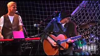 "Hall And Oates   ""Kiss On My List""   Live At The Troubadour 2008"