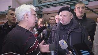 Харків, завод ім. Малишева. Передача озброєння та військової техніки для ЗСУ