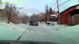 O trânsito na Rússia fica muito mais divertido no inverno