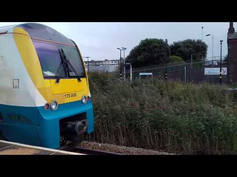 Arriva Trains Wales 175008 arrives at Abergele & Pensarn Sta…