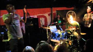 Chiddy Bang - Slow Down + All Things Go (Live @ SXSW/Sunday Swagger)