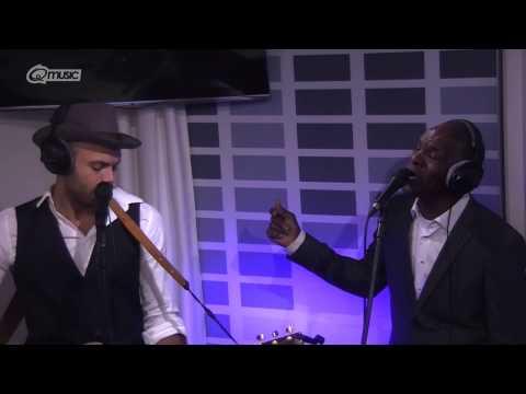 Alain & Dane Clark - Father & Friend (live bij Mattie & Wietze)