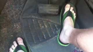Pedal pumping/revving in flip flops & barefoot