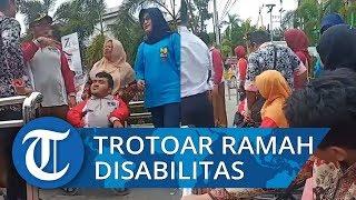 Wawako Padang Bersama Penyandang Disabilitas Uji Coba Trotoar Ramah Disabilitas