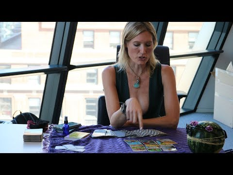 SheSez with Linda Grasso – Ep43 – Hollywood Publicist Turned Tarot Card Reader Angie Banicki