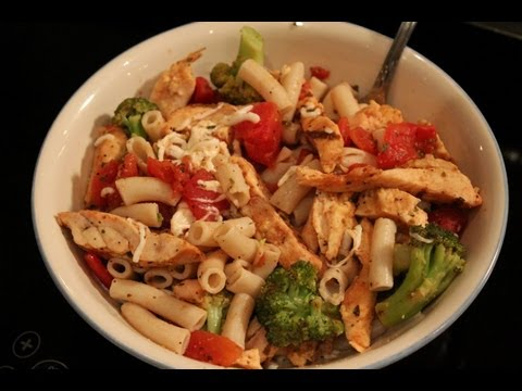 Video High-Protein Bodybuilding Chicken & Tomato Pasta