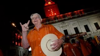 Harley Clark, man behind the 'Hook 'em Horns' sign dies at 78