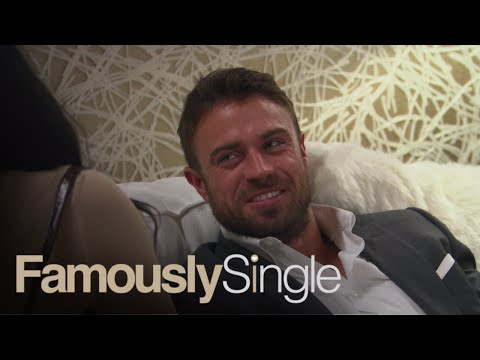 Chad Johnson Jokes About Why He Can't Do Yoga | Famously Single | E!