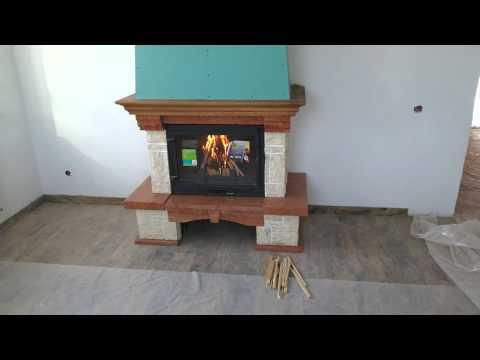 Каминная топка Invicta Promo 700 (Промо 700 с заслонкой) (видео)
