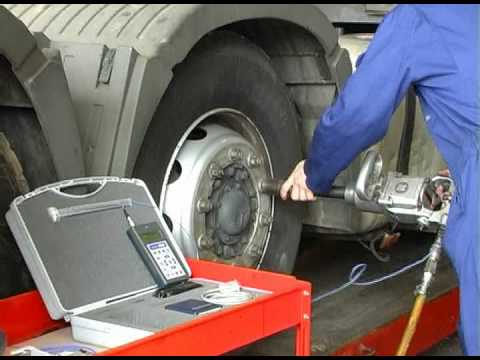 How to reduce vibration using a Pneumatic Torque Wrench.
