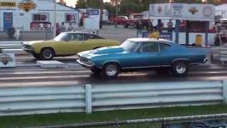 Two 1968 Chevelle's Heads up drag racing