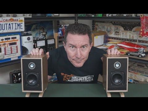 EEVblog #1162 - Little British Monitors