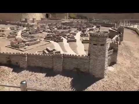 Бали храм на источнике
