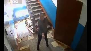 Смотреть онлайн Сумасшедшие соседи в городе Омск
