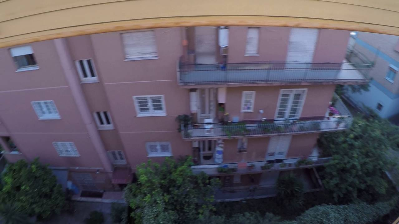 Rooms for rent in 120m2 3-bedroom apartment with sunny terrace in Primavalle