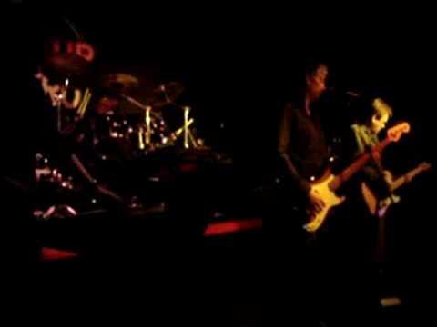 b-MoviE @ Metro Club 12th April 2008 - Fugitives (new track)