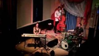 Elizabeth Shepherd; Danny's Song (Anne Murray)