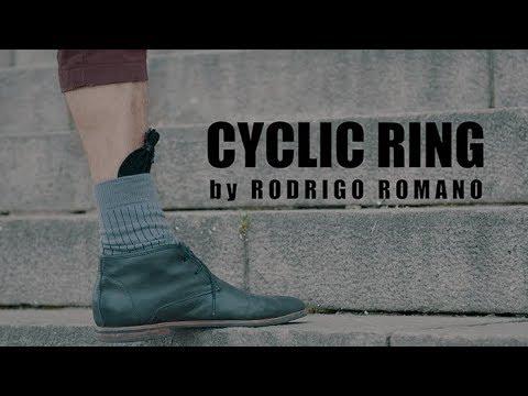 CYCLIC RING by Rodrigo Romano