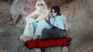 THE RUNAWAYS SOUNDTRACK - CHERRY BOMB (DAKOTA FANNING AND KRISTEN STEWART)