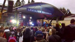 Apulanta - Aurinkoon live at Lentäjien Juhannus 2009