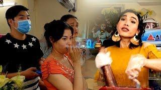 """""""Mê hồn trận"""" của cô gái bán gỏi Thái triệu người mê, khiến hàng trăm khách phải xếp hàng đứng chờ"""