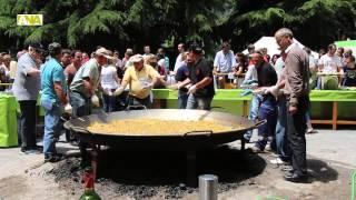 preview picture of video 'Escaldes reparteix 2.000 racions d'arròs per celebrar els seus 36 anys com a parròquia'