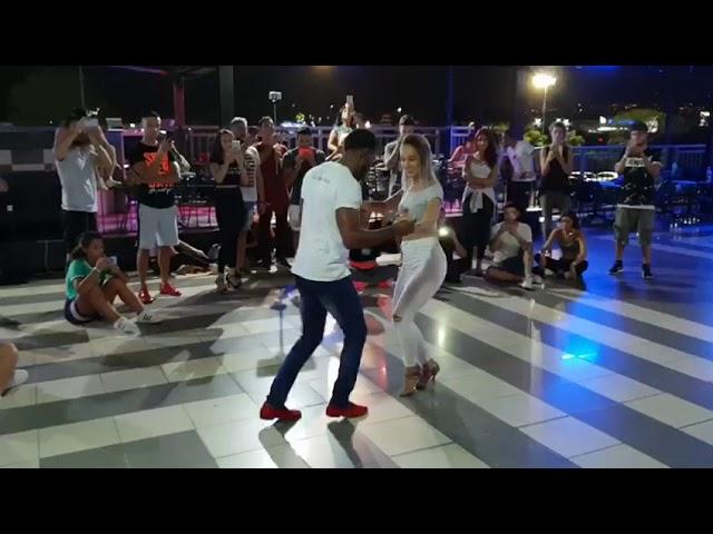 Ronald & Alba - Romeo Santos - Centavito